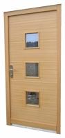 Vrata s precno strukturo lesa