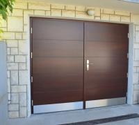 Klasicna-garazna-vrata-modern