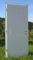 Bela lesena vrata elegant