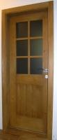 Lesena vrata krtacena steklena