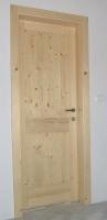 Lesena vrata smreka