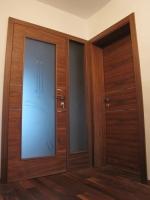 Prehodna vrata steklena