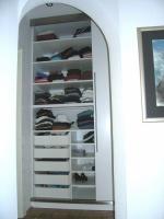 Predalniki v drsni omari