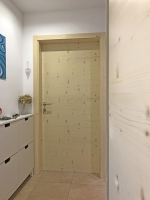 Vhodna vrata smreka grca
